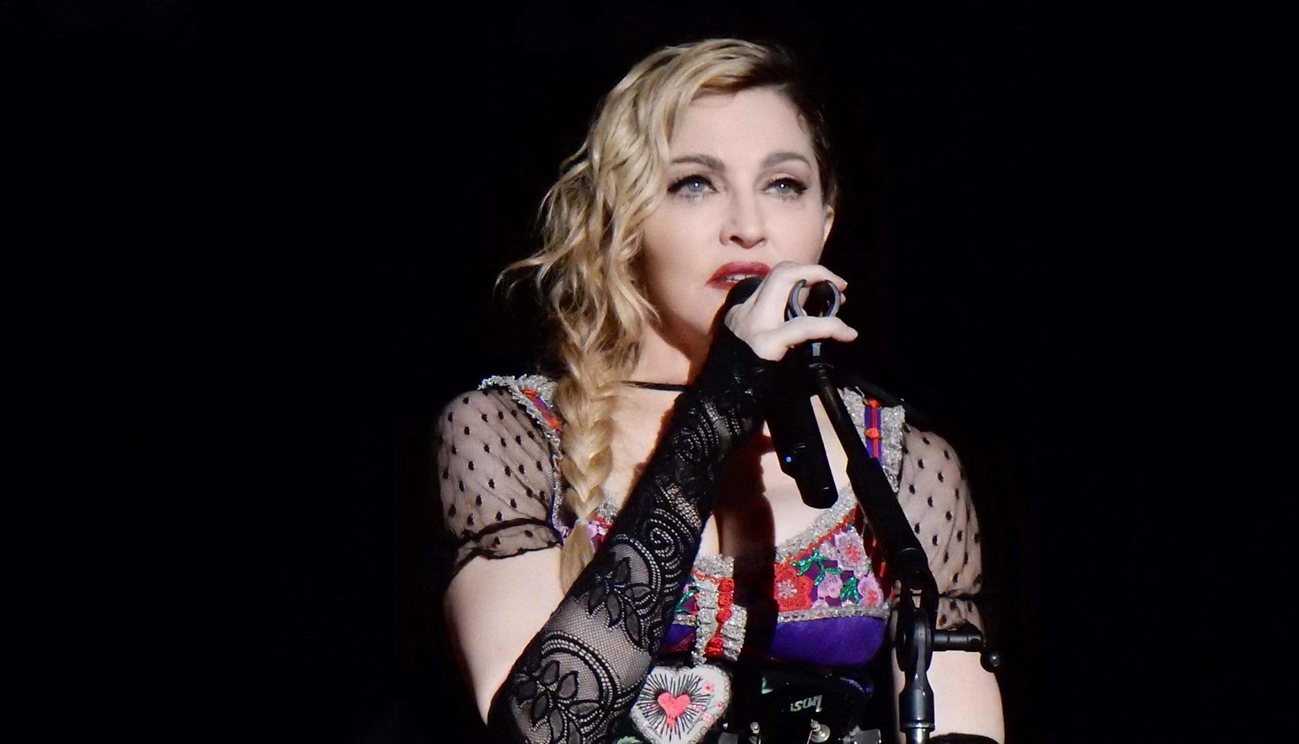 Madonna under Rebel Heart Tour 2015 i Stockholm. Foto: chrisweger via Wikimedia Commons (CC BY-SA 2.0)