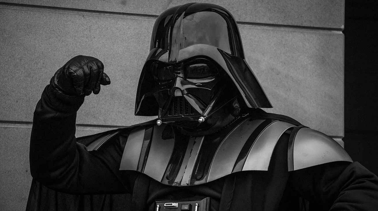 En populär filmskurk, Darth Vader. Foto: Tommy van Kessel / Unsplash